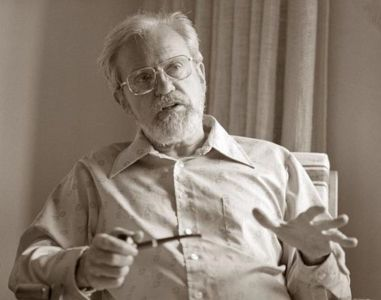 Le Dr Josef Allen Hynek.
